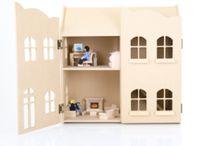 Ava's Dollhouse (7th birthday)