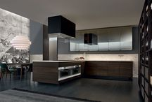 Minimal Kitchen / A classic design with technical details creates a new updated look.