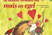 De mooiste verhalen van Muis en Egel / Zes verhalen van Muis en Egel gebundeld tot een prachtig boek met de mooie illustraties van Alex de Wolf. Muis maakt heel veel avonturen mee: ze wint een kleurwedstrijd, houdt een logeerpartijtje en breekt haar pootje. Dan gebeurt er wel iets heel bijzonders, want ze krijgt een kusje op een gemaskerd bal. Wie heeft haar dat gegeven? Het is egel, met wie ze gaat trouwen. Samen komen ze voor een grote verrassing te staan. Maar gelukkig kunnen ze altijd rekenen op al hun vrienden.