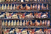 Joyería Mesopotámica / La joyería artística de los mesopotámicos nos proporciona un valioso conocimiento acerca de su sociedad, cultura y estilo de vida. Encuentra más información sobre su historia en: https://tendenciasjoyeria.com/joyeria-mesopotamica/