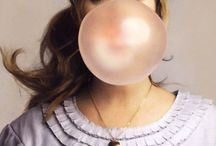 Happy time with bubble gum / that's a wonderful memory for childhood