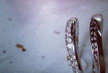 COLANY ~in our wish~ / 最高の輝きと最高の指ごこちを求めた、もっともシンプルでもっとも大切なウエディングリング。 おふたりの結婚、そして未来にとって、もっともふさわしいリングになることだけを描いた想いの籠もったリングです。