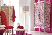 Bedroom Colour Combinations / Choose from a range of quirky, sober, classy colour schemes for your bed room!