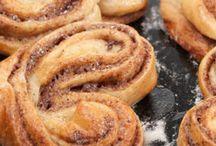 Delicious heart sticky buns / Cinnamon heart sticky buns
