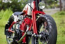 MOTOCYKLE/ MOTORCYCLES
