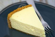 CHEESECAKES / I love cheesecakes, not only love to eat them, I want to try out making all the cheesecake variations that exist on this planet.