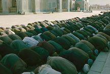 Islam around the world / Theres this feelin that doesnt leave me. Still in awe each time I see muslims prostrate in congregation to é Almighty. Such unity,humility. / by Siti Zubaidah