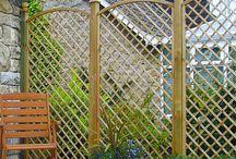 Dekoracyjne drewniane kratki do ogrodu i tarasu
