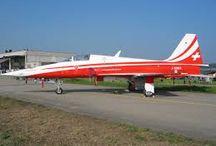 Patrouille Suisse / War nahe beim damaligen Militärflugplatz in Dübendorf aufgewachsen , ich war schon immer fasziniert von der Luftwaffe.....