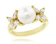 Wedding rings / by Chloé Trumble