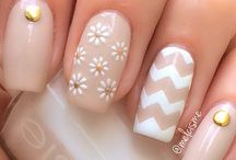 mama nails