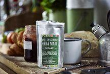 Teatonics / Teatonics is een innovatief theemerk, opgericht door een jong stel uit Dorset (Engeland) na hun inspirerende reis door Latijns-Amerika. Met stimulerende, gezonde en bewuste ingrediënten die zorgen voor uitzonderlijke smaak en geur belevingen, herdefinieert Teatonics de term ''kruidenthee''. Op dit moment bied Teatonics twee luxe blends, Mind-Awakening Yerba Mate & Laid-Back Botanicals.