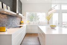 кухня без навесных шкафов глянцевая