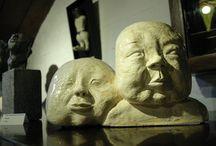 mijn laatst gemaakte keramische objecten / Chinese pa en kind, wolvenechtpaar, zie, ik vlieg