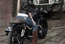 Garotas & Motos / Mulheres com motos