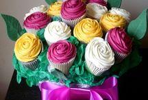 Ramos de Cupcakes / Fantásticos ramos de cupcakes que emulan a los ramos de flores. Una idea original y dulce para regalar.
