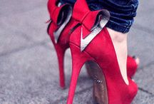 Walking in My Shoes / Hair. Fashion. Makeup. A Girl's Life. / by Kristina Auten