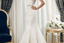 Daria Karlozi 2015 stock dresses / Daria Karlozi 2015 Collection is a fabulous collection. Make an appointment with BridalRoom today on (076) 364 3600 JHB