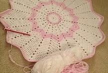 Round Baby Blanket / Crichet