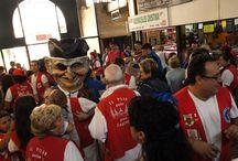 Charanga y cabezudos en el Mercado Central. / Sábado 11 de octubre de 2014, Fiestas del Pilar, charanga y cabezudos en el Mercado Central de Zaragoza
