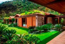 Telhados / Procura inspiração de telhados de meia-água, duas águas, plano ou telhado verde? Aqui na homify você encontra as melhores imagens de projetos nacionais e internacionais para construir a sua casa com muito charme!