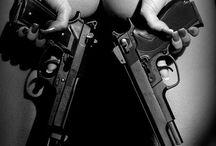 Mujeres con armas