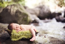 Newborn Photography Ideas / Newborn photography poses and ideas for photographers. Newborn posing is not easy, so take a little inspiration from the pros.