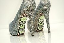 Love me some SHOES / by Sonnet Jimenez Underwood