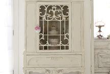muebles blanco antiguo / Old white