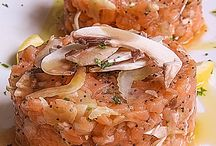 tartare al salmone con champigon, sedano e semi di papavero