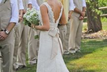 Wedding Dress / by Leah Berscheid