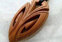 kalung kayu