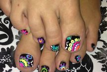 Toe designs / by Gracie Wilson