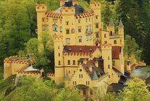 Castles / by Dottie Grimes