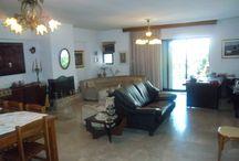 Διαμέρισμα 140 τ.μ., Καλαμαριά, Βυζάντιο, προς πώληση / Πωλείται διαμέρισμα 1ος, 140 τ.μ. στην Καλαμαριά (Βυζάντιο). Τ. Κ: 55133. κατασκευής:1985,σαλόνι, κουζίνα, 3 υπνοδωμάτια, 1 μπάνιο, 1 WC,πάρκινγκ,διαμπερές, φωτεινό,ατομική θέρμανση, τζάκι, φυσικό αέριο,κήπος,κουφώματα από αλουμίνιο,εντοιχισμένες ντουλάπες, μπόιλερ,ανελκυστήρας Αξίζει επίσκεψης.150.000 ευρώ. Συζητήσιμο. [Κωδικός Ακινήτου:100]  Κτηματομεσιτική Εστία Τηλ:2310451183 - Κιν:6946990122 - e_mail.:estiahome@yahoo.gr - www.estiahome.gr - http://estiahome.blogspot.com