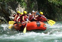 Rafting / Il rafting è uno sport divertente, in #Calabria sono tantissime le strutture che offrono la possibilitò di affrontare le rapide dei fiumi in tutta tranquillità