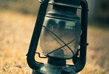 torch / torch ou lamp, uma espécie de bússola dissipando a escuridão