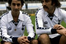 Spurs: the entertainers / A visual journey of the Tottenham Hotspur chaps. Past and present.