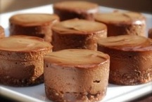 raw cheese and chocolate cakes