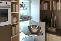 Idee per la dispensa in cucina / Arrex Le Cucine consiglia: inserisci una colonna dispensa nella tua cucina, avrai tutto in ordine!