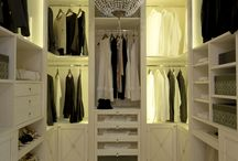 Tosato's creations / White and welcoming, delicate colours that emanate all the personality of the Made in Italy by Tosato ... don't you desire this beautiful roomy walk-in wardrobe?