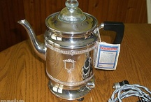 RARE ART DECO COFFEE MAKER IN PRISTINE CONDITION, WITH TAGS NEVER USED.