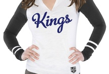 Alyssa Milano's NHL Board / Alyssa Milano to takeover the NHL Twitter account on Thursday, May 17 for Game 3 of the Phoenix Coyotes/LA Kings game. Here's what her game-day style and routine consists of.