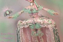 Barbie and other Fashion Dolls / by Vania Gomes