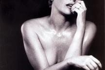 Sharon Stone / Sensualità e fascino da togliere il fiato!