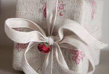 """Plaisir d'offrir / """" Personne ne peut m'offrir de plus beau cadeau que celui de me sentir aimée.""""  Mercia Tweedale"""