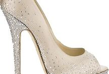 Divalicious (Shoes) / by Dianne Leigh