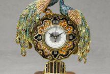 Vintage clock & objet