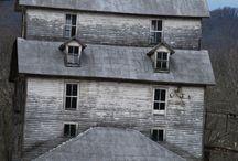 Rakennuksia / Buildings