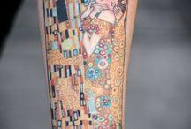 Mira mi brazo tatuado con este nombre de mujer / Tatuaxes